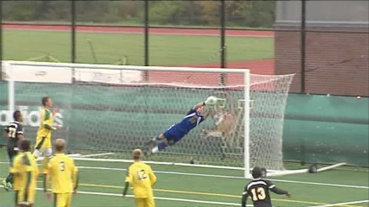 UVM men's soccer loses in closing seconds