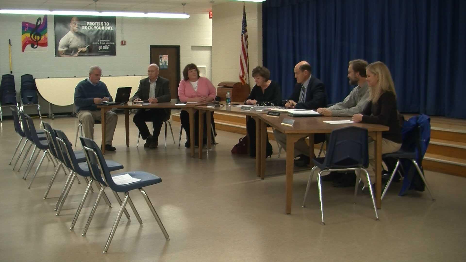 11-7 School board ratifies contract - img