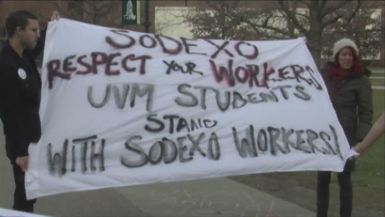 Rally in support of UVM dining workers