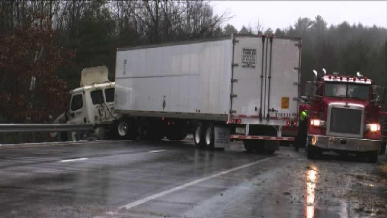 18-Wheeler crashes on I 91 North