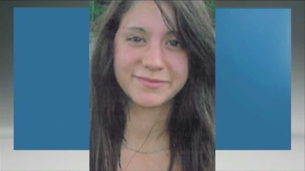 Missing girl sends letter to mom, search continues