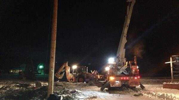 2-6 Tractor-trailer knocks out power - img