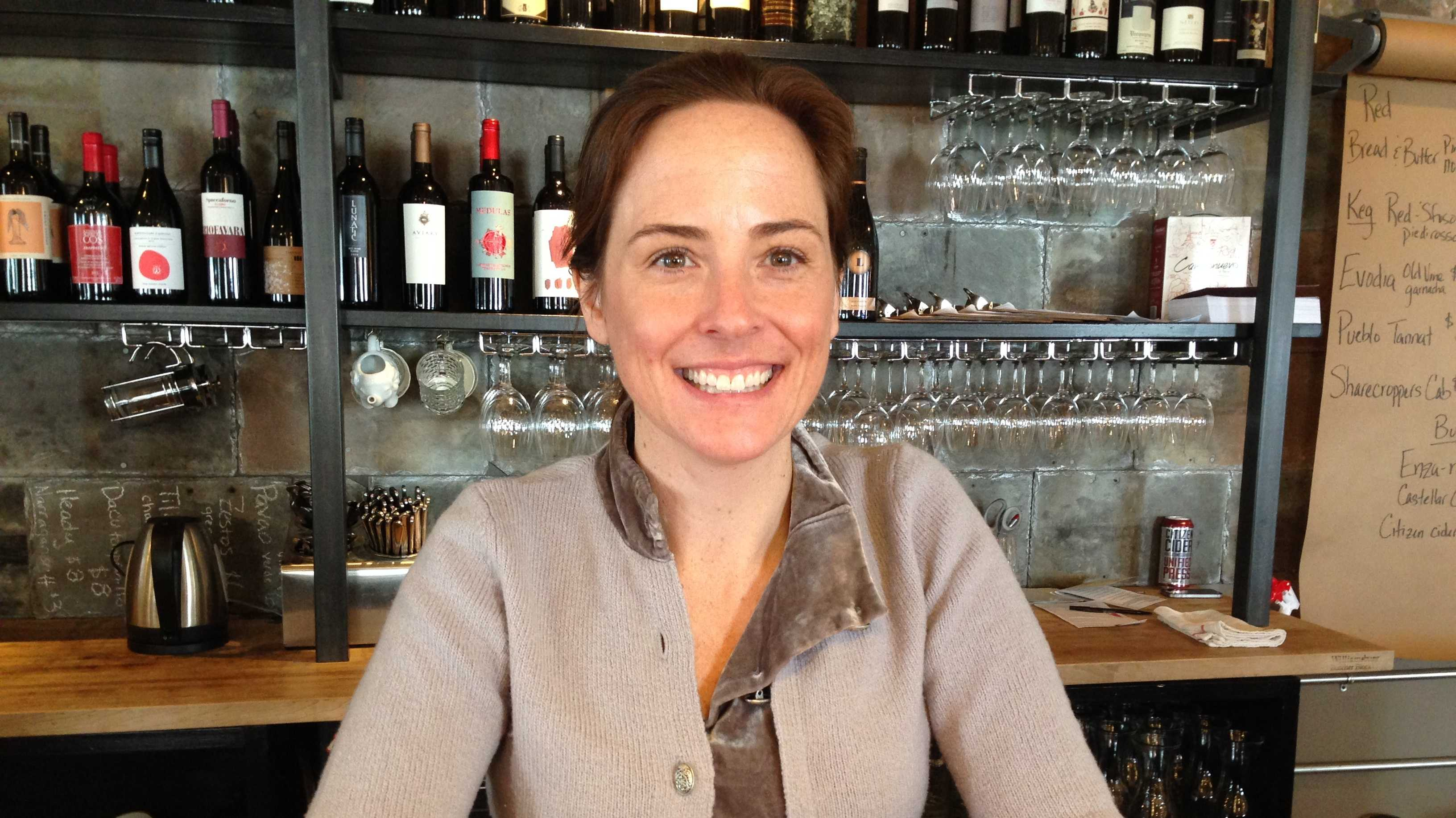 Danielle Nichols - wine bar owner - img