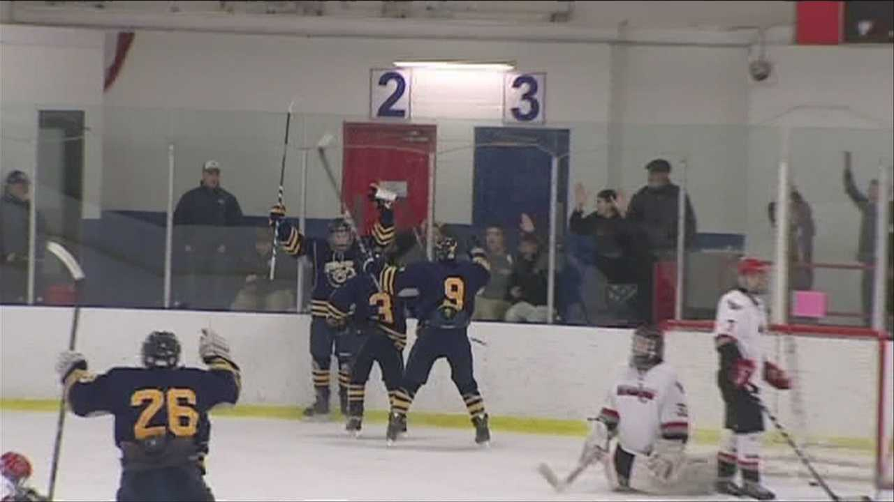 The Lake Placid boy's hockey team wins the CVAC Showdown, to clinch the regular season title.