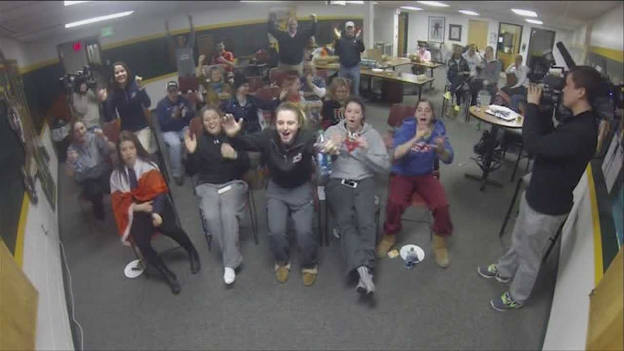 022014 UVM USA Watch Party-img