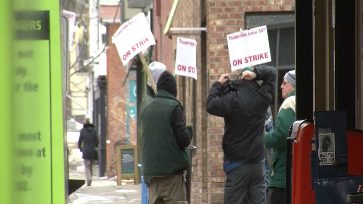 After a full week of no buses in Chittenden County, a mediated meeting is planned for this weekend between union drivers and CCTA management.