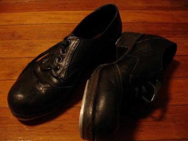 May 25: Tap Dance DayTap Dance Day officially began in 1989 and celebrates the heritage and origins behind the dance. Some cities hold tap dancing shows and displays to mark the day.