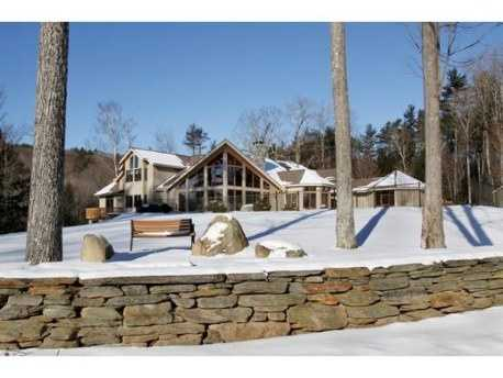 The property has commanding views of Mount Monadnock and easy access to hiking trails.