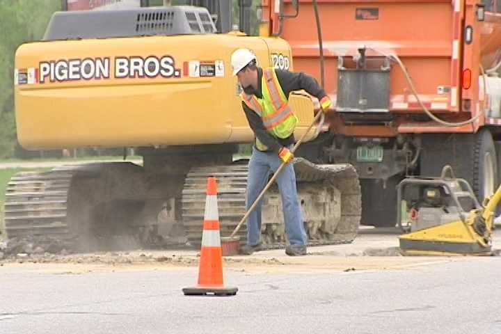 Crews are repairing a section of Interstate 89, near Milton, after a sinkhole opened up early Thursday morning. Witnesses say traffic was backed up f or miles.