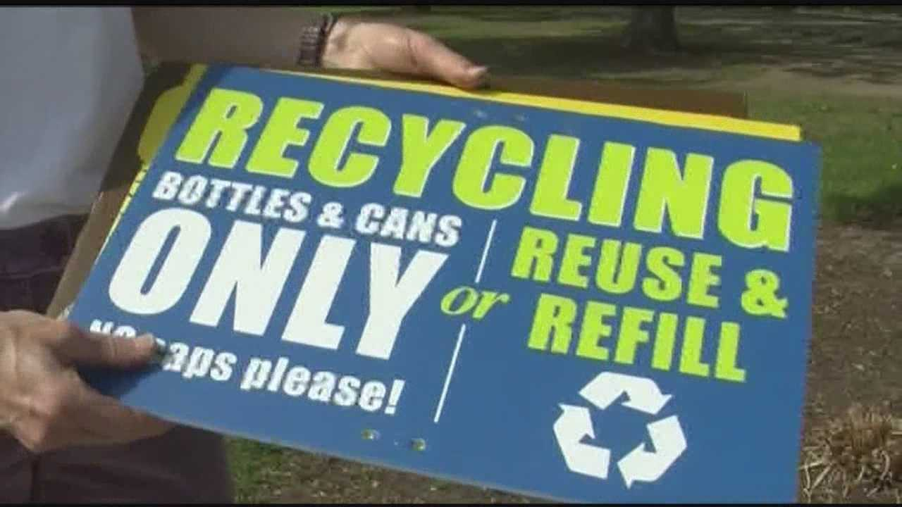 Organizers of the KeyBank Vermont City Marathon are trying something new this year. They've brought in volunteers and are working with the Chittenden Solid Waste District to make it easier for runners and spectators to recycle and throw things away.