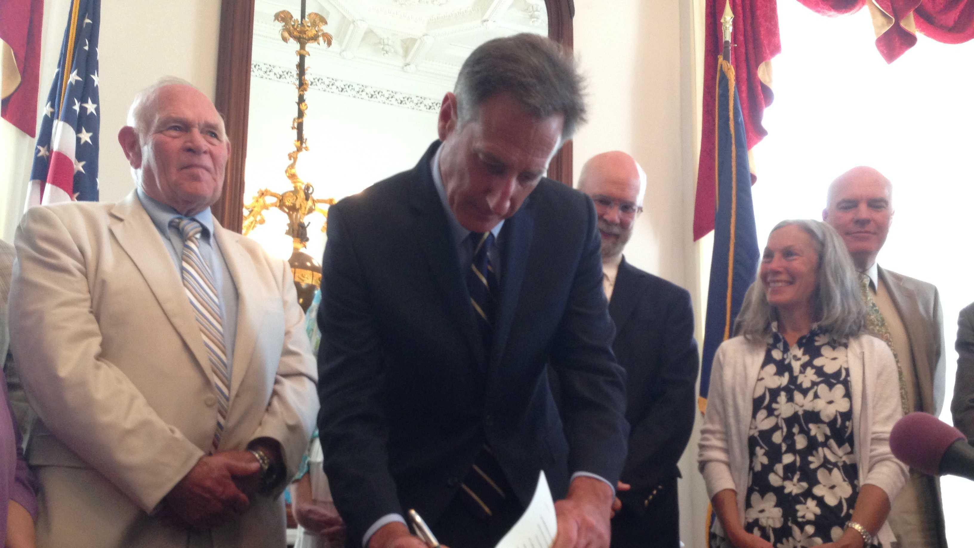 Shumlin signs addiction bills into law - img