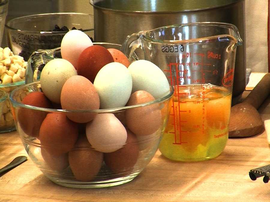 Martha said she only bakes with farm fresh eggs. These eggs are from Martha's chickens back in New York.