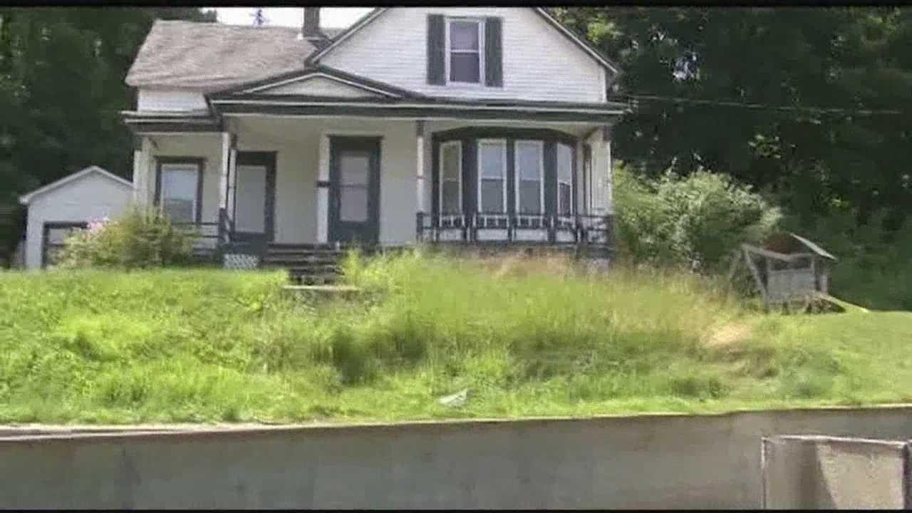 07-06-14 Newport death investigation - img