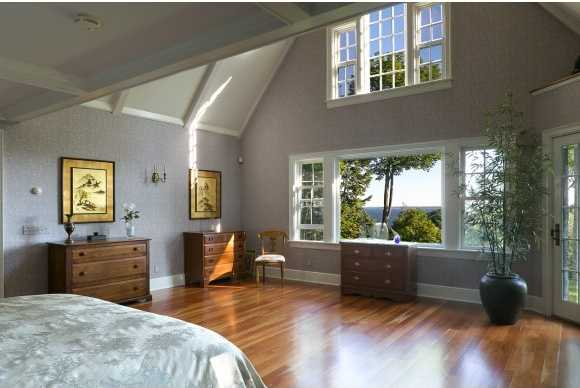 The master bedroom was designed to not only face the mountains, but also bask in the sunlight.