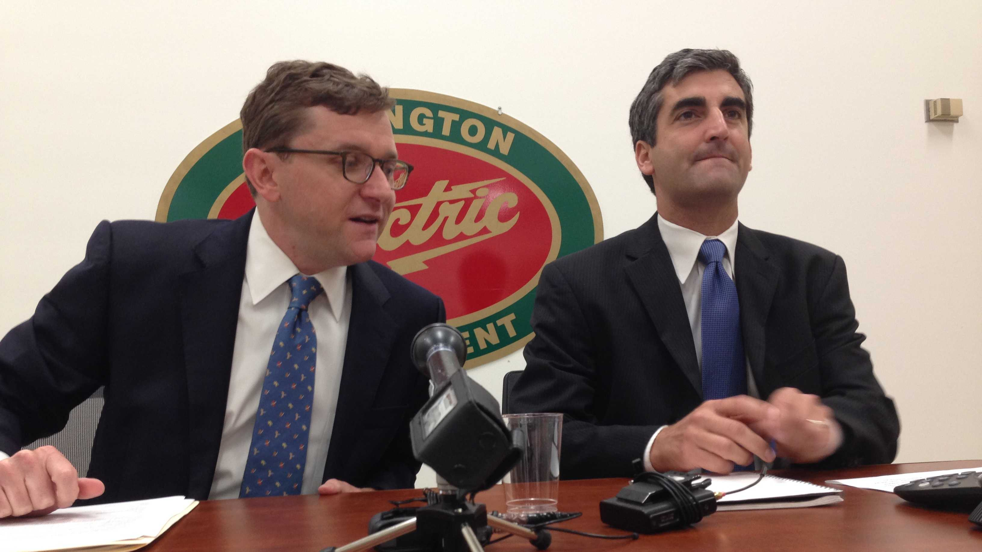 Burlington Electric Gen'l Manager Neale Lunderville, left, and Mayor Miro Weinberger discuss significant billing errors at the city-owned utility Friday morning.