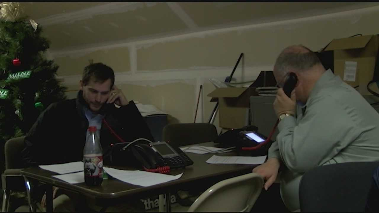 Candidates for governor in Vermont hit the streets and the phones to get people out to the polls.