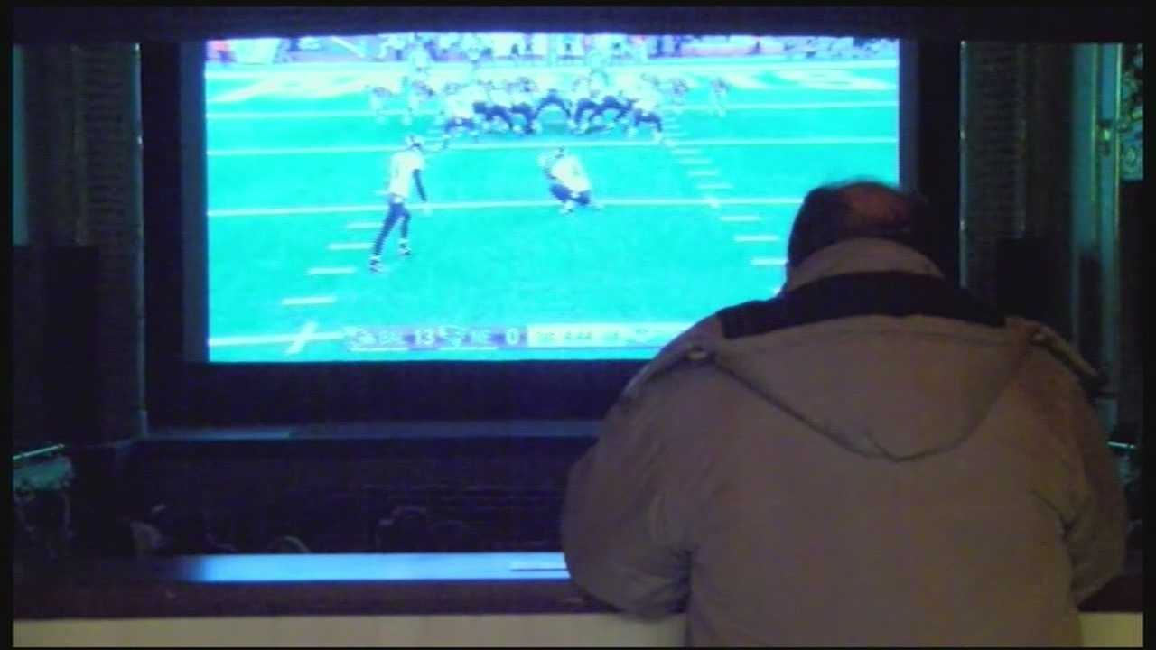 Local theater shows NFL games in HD