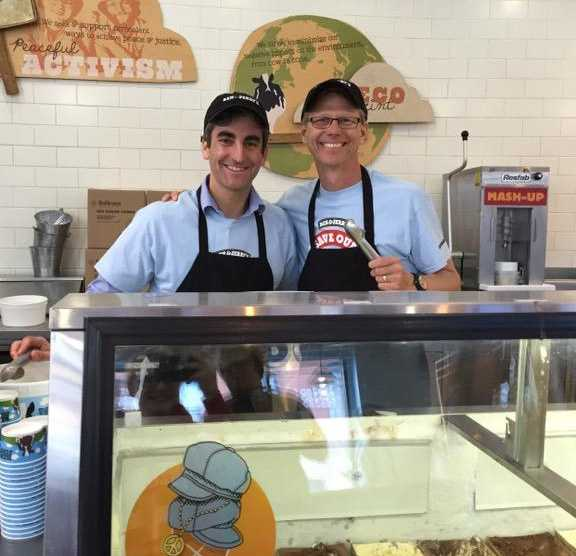 WPTZ's Tom Messner scoops Ben & Jerry's ice cream with Mayor Miro Weinberger on Free Cone Day!