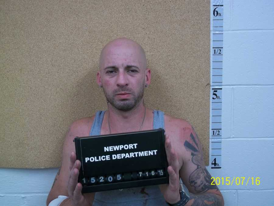Alan Hope, 36, of East Hartford, Connecticut, was charged with 1 count of possession with intent to distribute a controlled drug, heroin, and 1 count of resisting arrest.