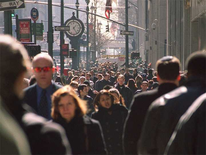 The U.S. population tops 282 million. The world population increases to a little more than 6 billion people.