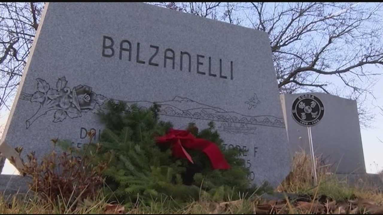 Wreaths Across America honors veterans across country