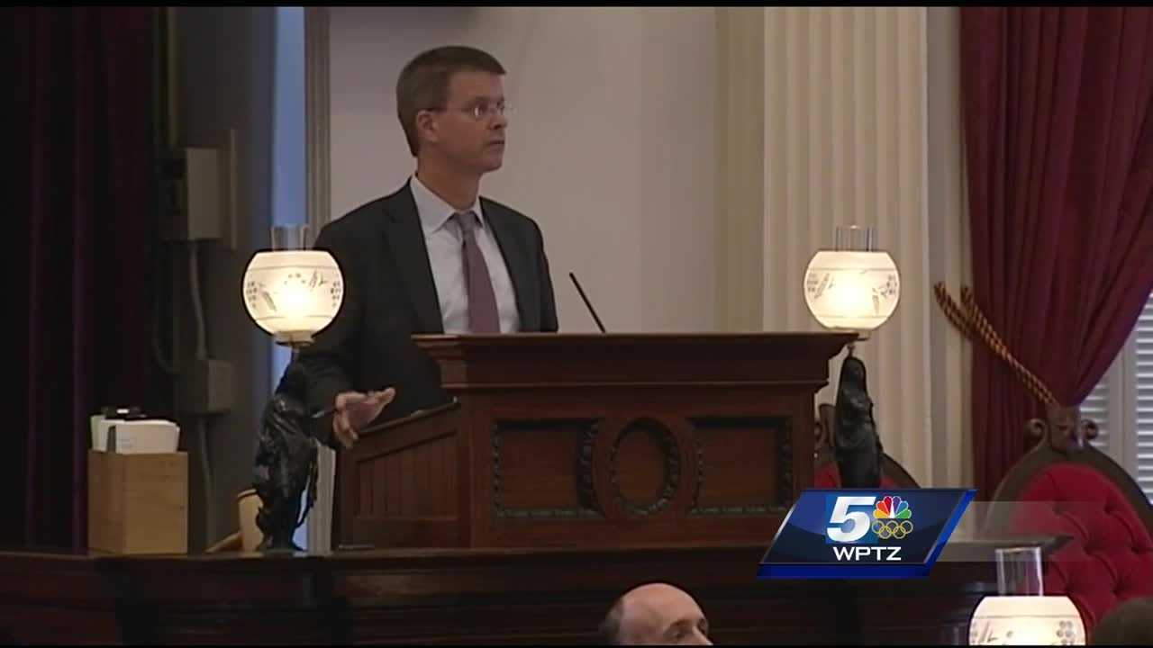 Speaker Shap Smith and two former lawmakers may yet run for governor in 2016.