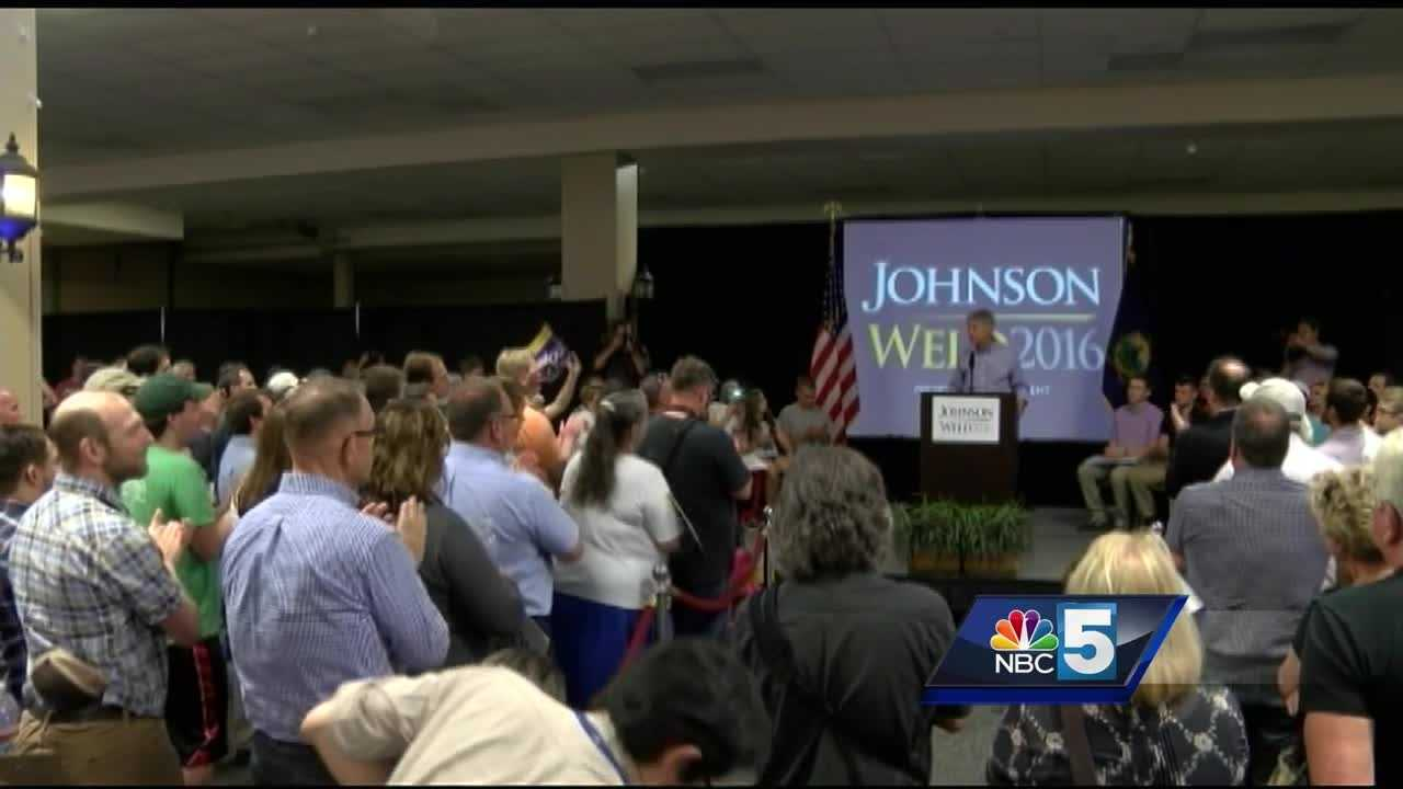 Libertarian presidential candidate Gary Johnson and his running mate Bill Weld paid a visit to a rally in Vermont.