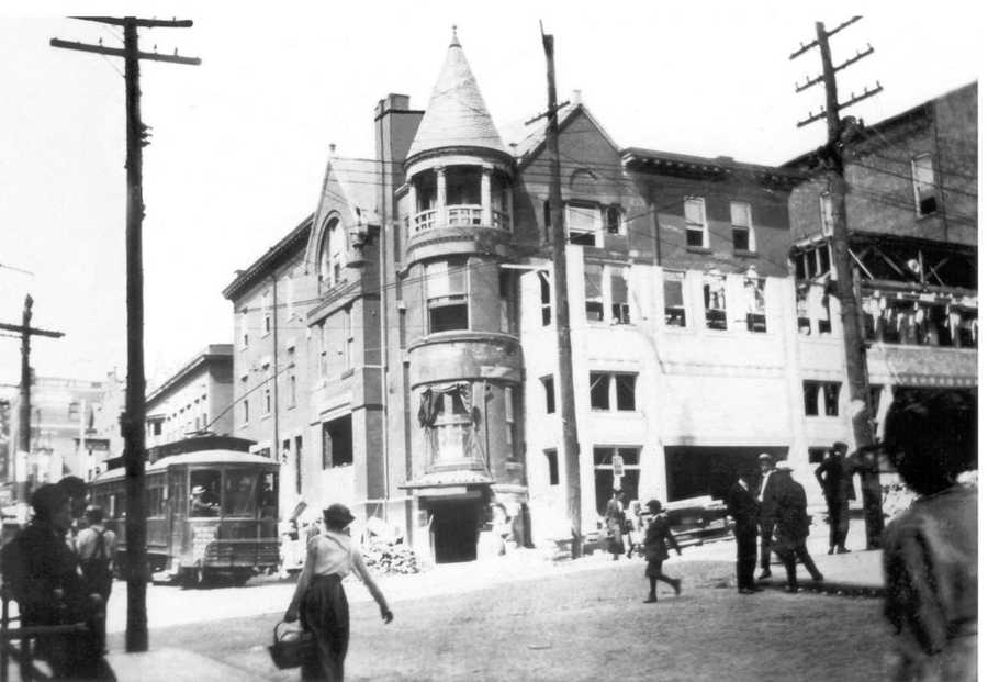 The Anna McCausland home under construction. This would later be transformed into the Manos Theatre.