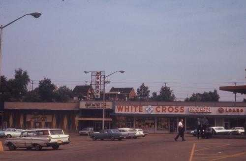 1968 - Zayre Plaza with Monroe Theater