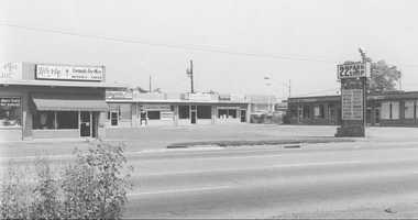 1970 - 22 Park Shops