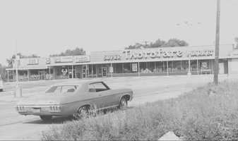 1970s - Northern Pike Shopping Center on Route 48