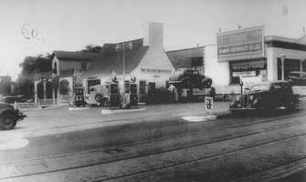 1935: At the time, a state-of-the-art service station on the corner of Forbes and Shady Avenues. By 1941, there were six car dealers on Forbes and Murray Avenues. You could purchase a new Buick coupe for $615 in 1941.