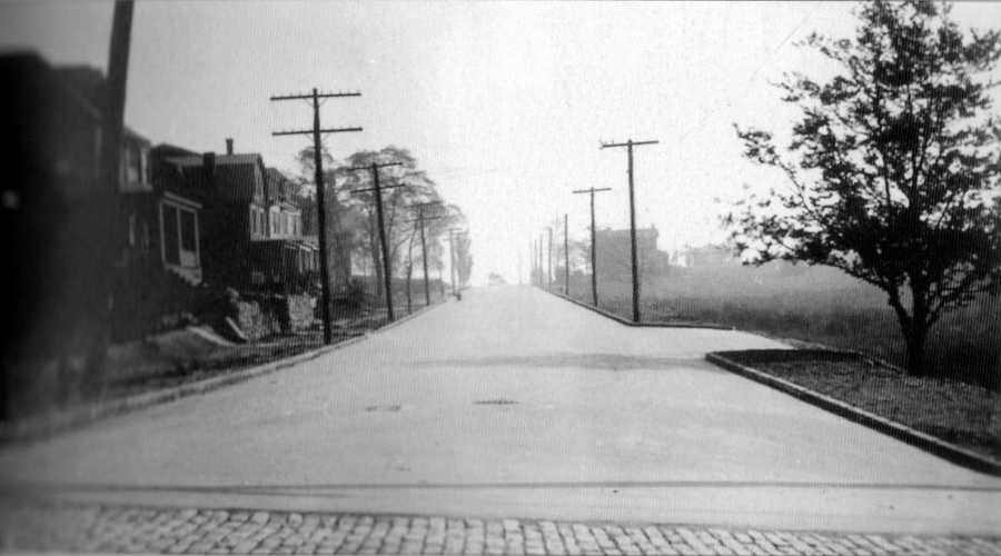 October 1908: Another view of Phillips Avenue at the intersection with Shady Avenue.
