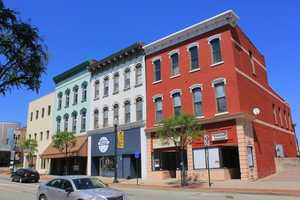 A look at the buildings in the same general vicinity today.
