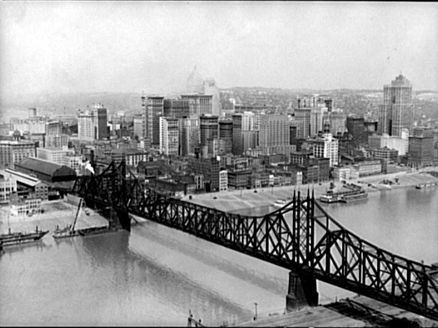Pictured here is the old Wabash Bridge It was a railroad bridge across the Monongahela River, constructed between 1902 and 1904.