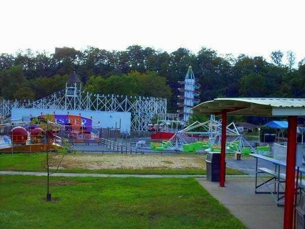 Lakemont Park & The Island Waterpark: Alcoholic beverages are permitted within picnic pavilions only.