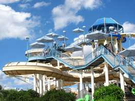 Wet 'n Wild, Florida: Coolers are welcome, but alcoholic beverages and glass containers may not be brought into the park.