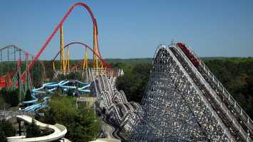 Kings Dominion, Virginia: Guests must be at least 21 years of age to purchase, possess or consume alcoholic beverages. Alcoholic beverages are not permitted while in line for any ride.
