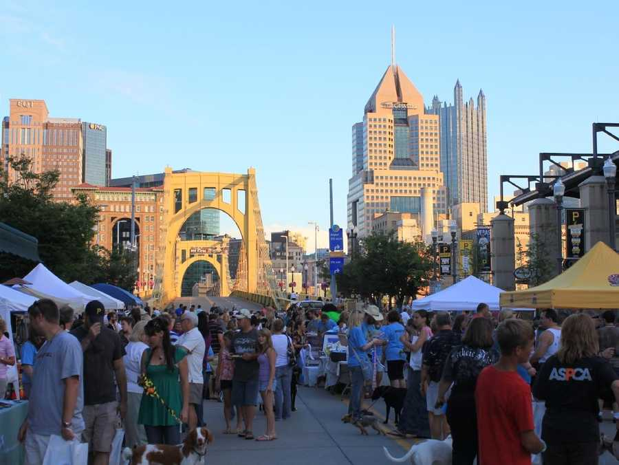 Hundreds of folks came out last year with their dogs to support the first annual Pittsburgh Pup Crawl, benefiting Animal Friends, Animal Rescue League of Western PA and the Western PA Humane Society.