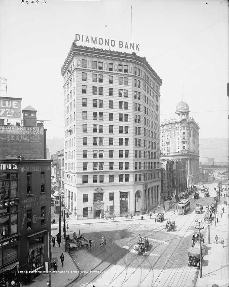A look at the Diamond [National] Bank and Wabash terminal building sometime between 1900 - 1910.