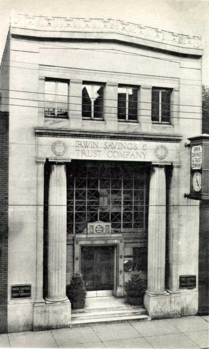 1939: Irwin Savings and Trust Co. on Main Street