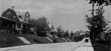 This picture was taken looking up Cedar Boulevard in the 1920s toward Washington Road just before the intersection with Old Orchard Place. Mapleton Avenue is just out of sight at left.