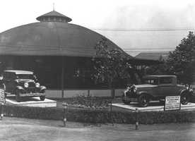 A historic photo of the current Merry-Go-Round carousel building at Kennywood.