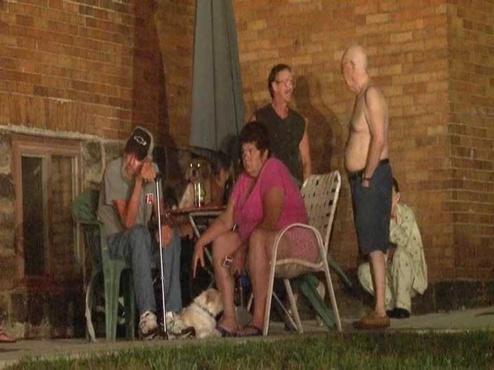 The fire was quickly brought under control, and some residents were allowed to return to their apartments.