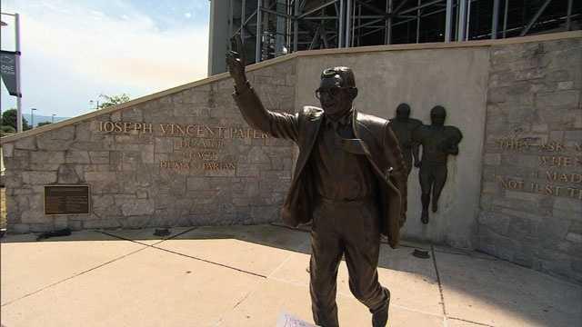 Joe Paterno statue 2