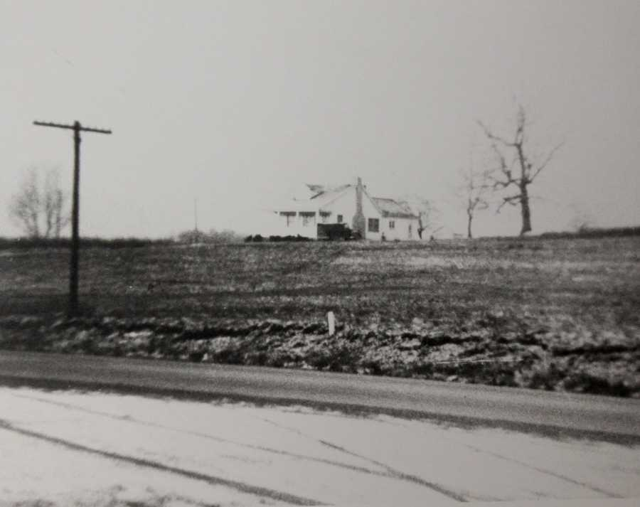 This home was built in the 1930s and was the home of Paul Vandivort. Today, the land makes up the Cranberry Community Park on Route 19.