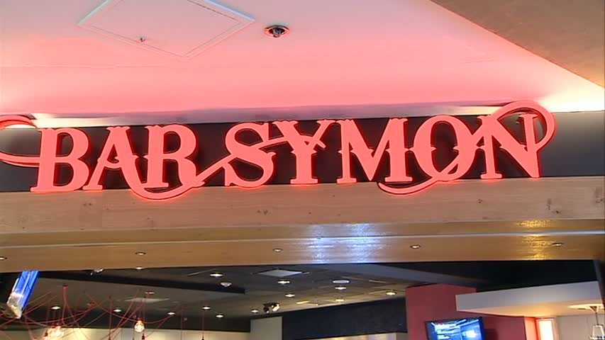 Bar Symon is located in the Airmall.