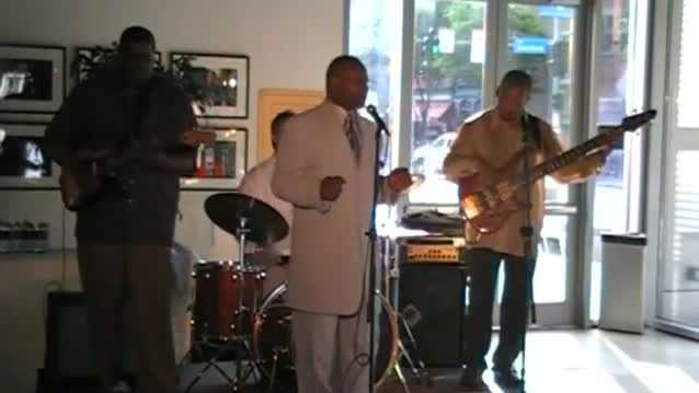 Leroy Wofford performing at Pittsburgh JazzLive International Festival