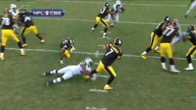 Ben Roethlisberger escapes a sack against the Jets.