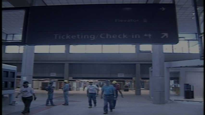 Final checks at the Pittsburgh International Airport prepares to open in 1992